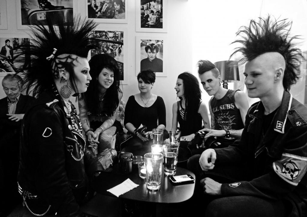 Punkare i en bar (2010)